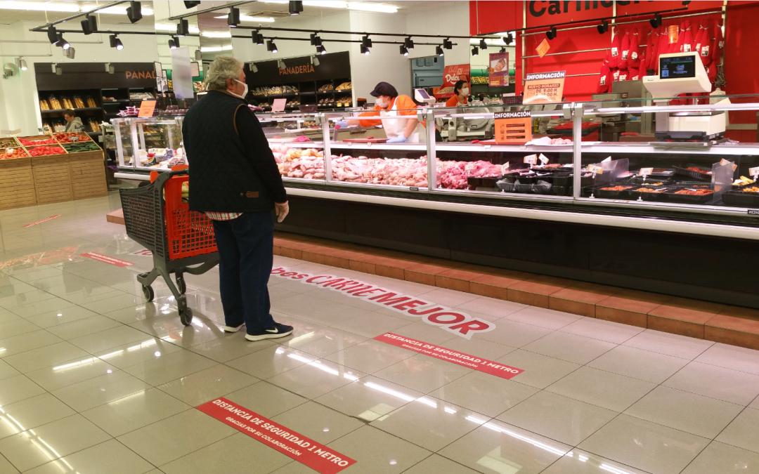 Economy Cash gratifica a sus empleados de tienda con una prima del 15% sobre su salario